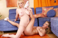 Blonde Lesbians Make Out &amp; Lick Pussy